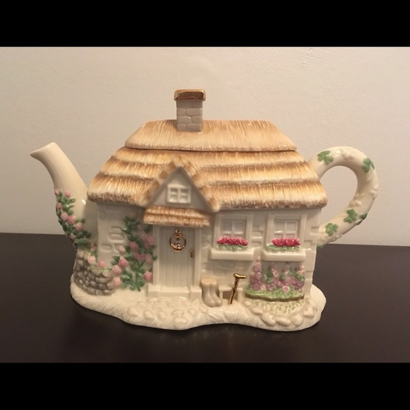 "Lenox ""The Irish Blessing"" Teapot 2002"